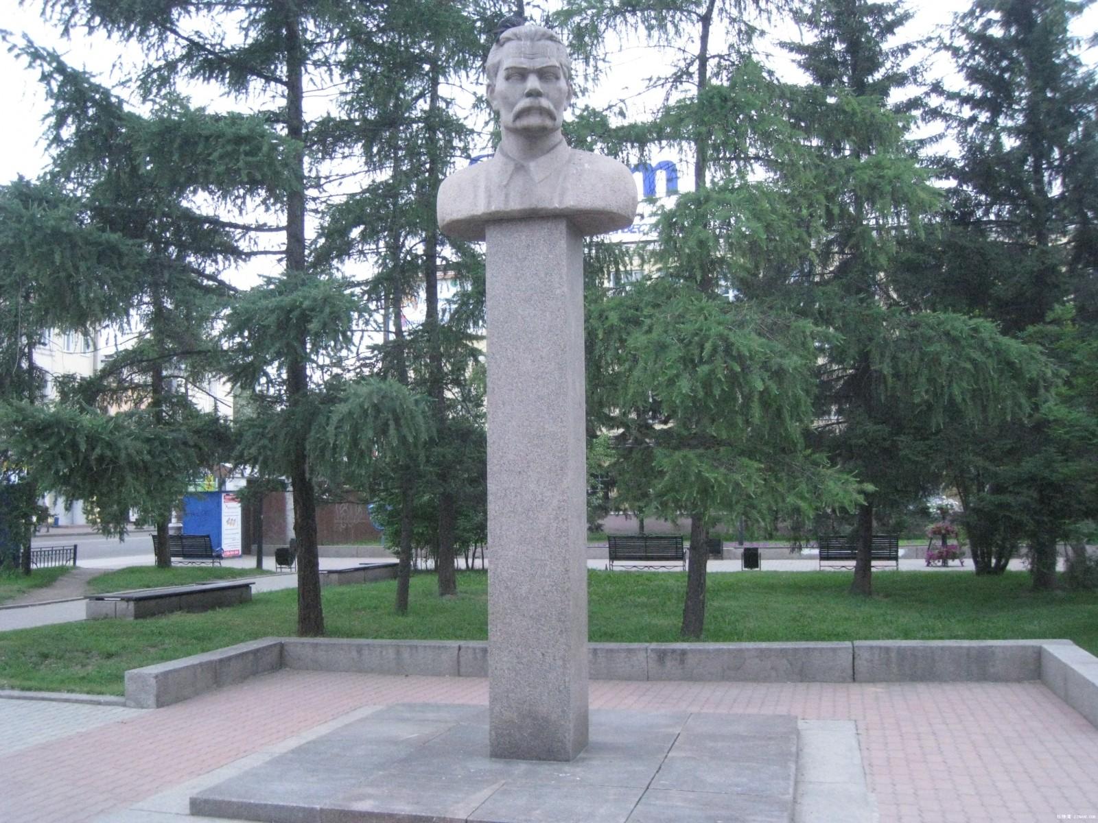 原创:莫斯科地铁及其出站口附近的塑像— 从普希金到卓娅(多图) ... ... - lliiang1017 - 燕山红场的博客